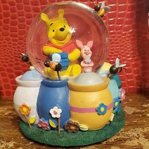 2 VTG Disney's Winnie the Pooh Musical Snowglobes